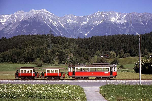 innsbruck - Igls tram.jpg