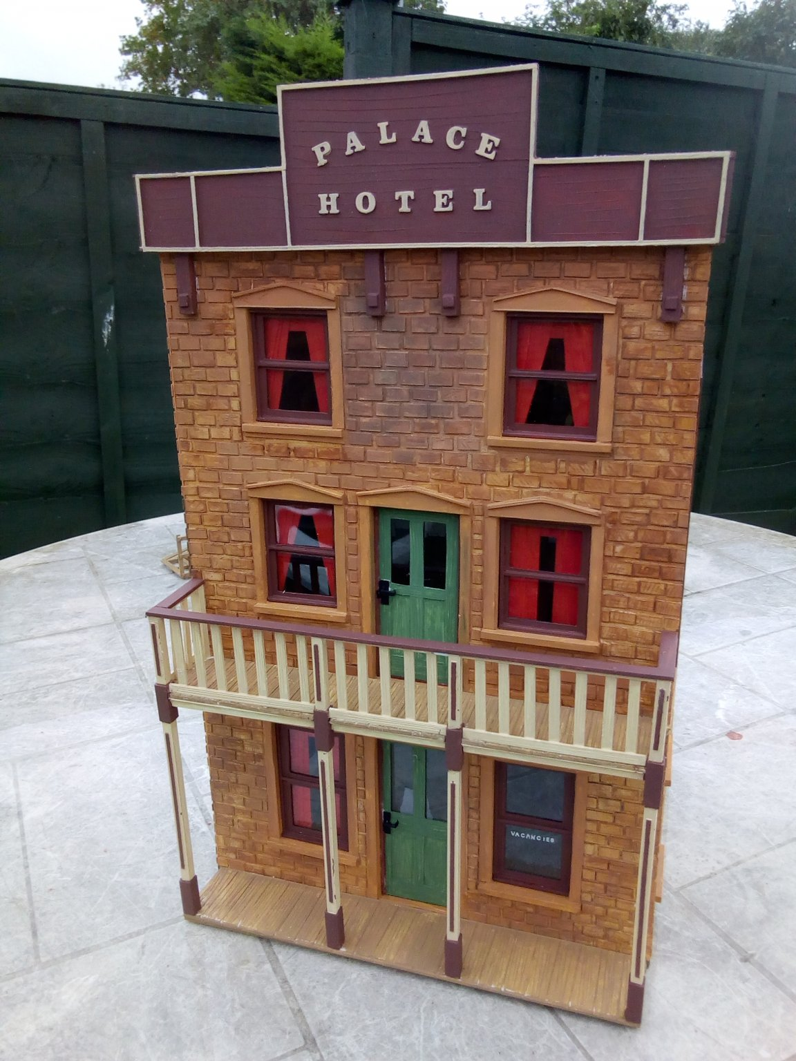 HOTEL 2 001.jpg