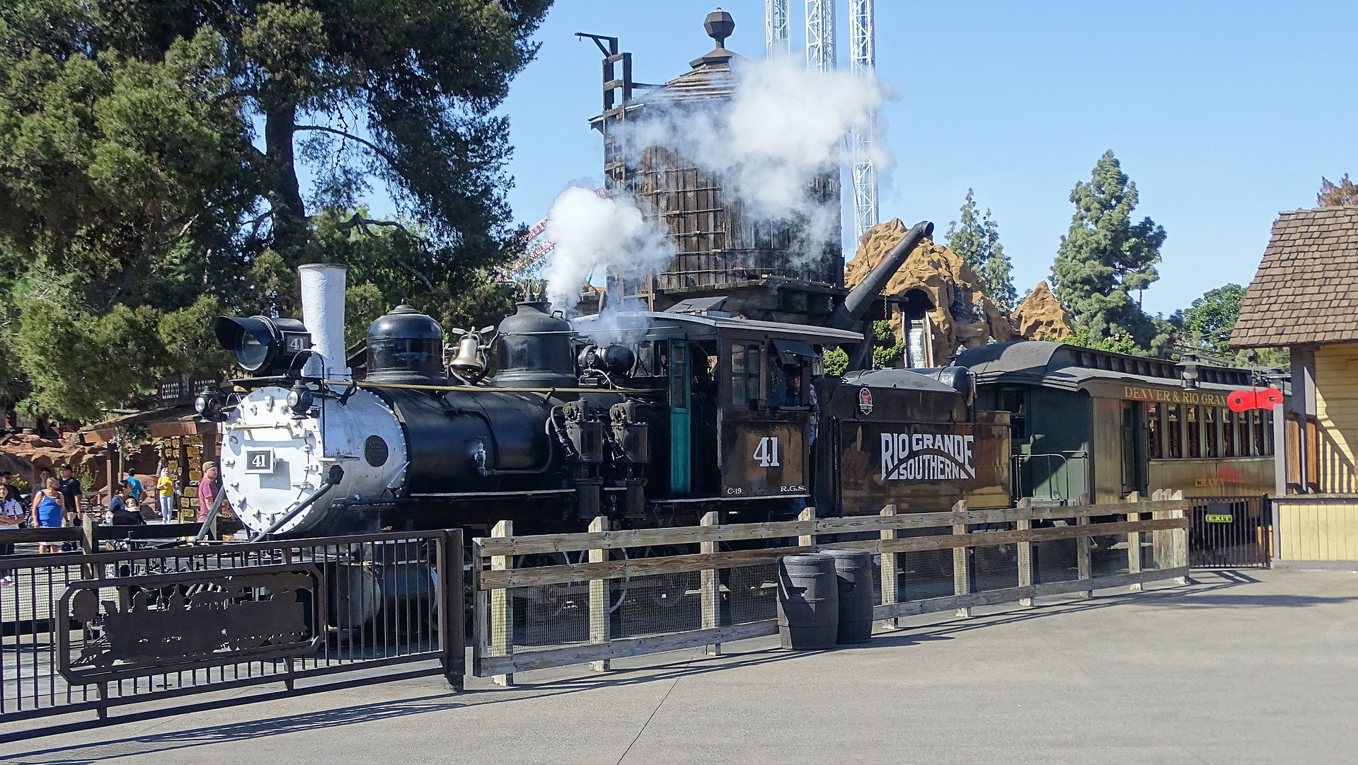 C-19 and Car Ghost_Town_Railroad.jpg