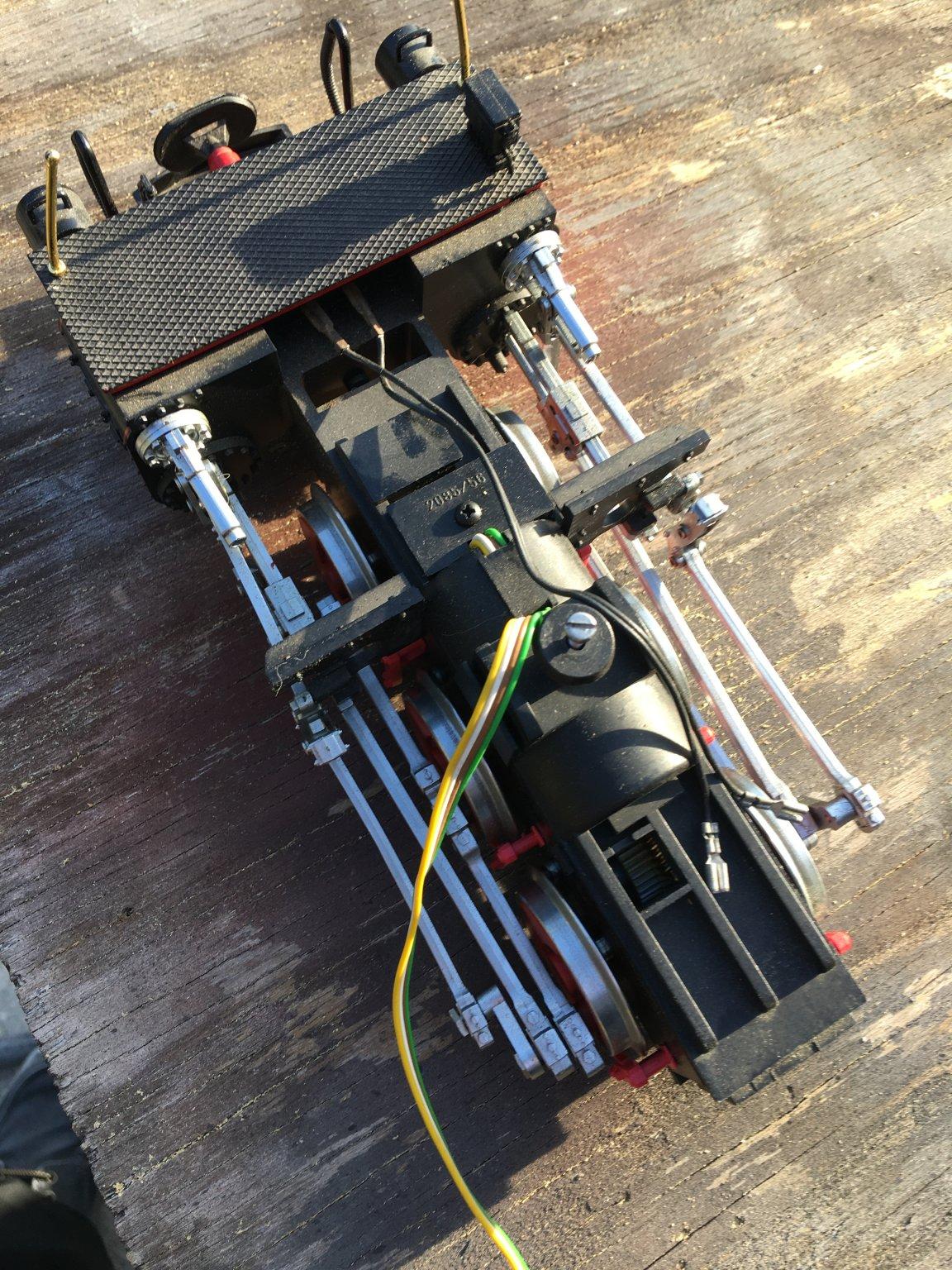 FS 2085 front motor block assy.JPG